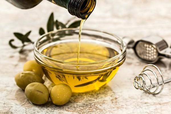 El aceite de oliva virgen ayuda las arterias